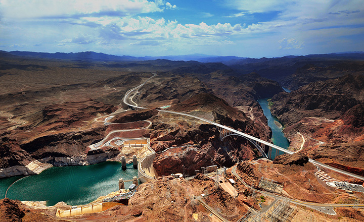 hoover damn and memorial bridge seen from above