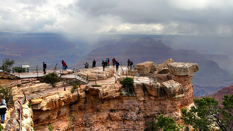 Grand Canyon Tour Guides Lead Grand Canyon Walking Tours In The South Rim And West Rim