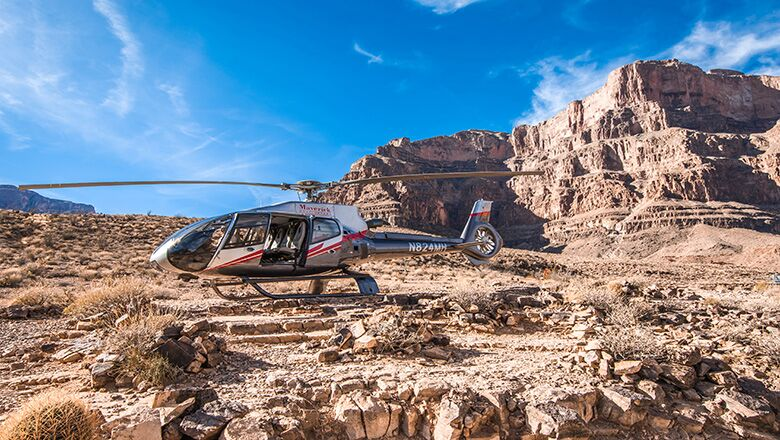 Take A Tour Bus In Las Vegas To The Grand Canyon Skywalk