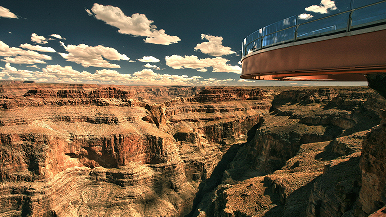 Canyon West Rim Bus Tours Go To Eagle Point and Several Key Sights