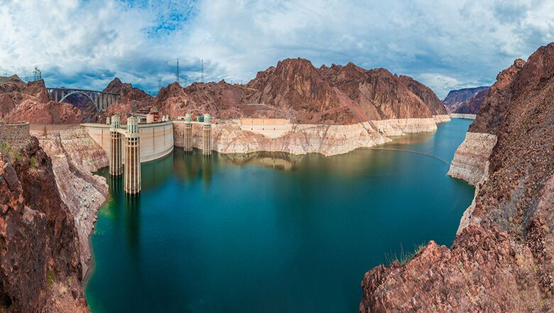 A Hoover Dam And Lake Mead Tour Shows Vegas Vacationers The Area's Natural Wonder