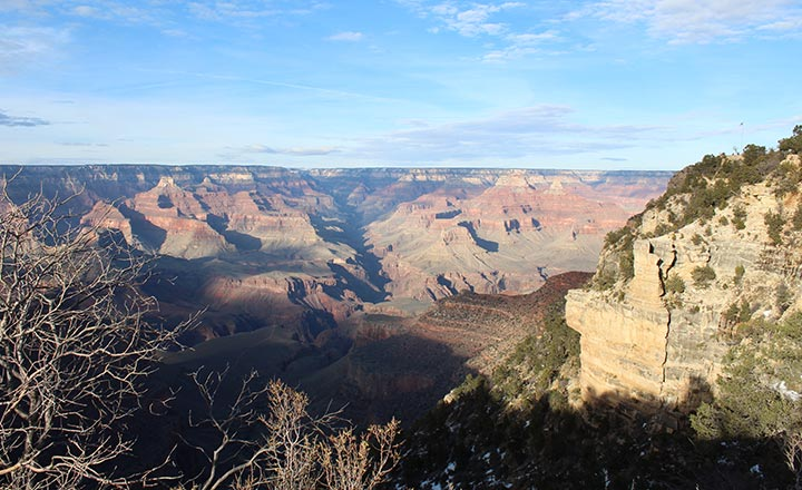 Las Vegas to Grand Canyon tours provide amazing views.