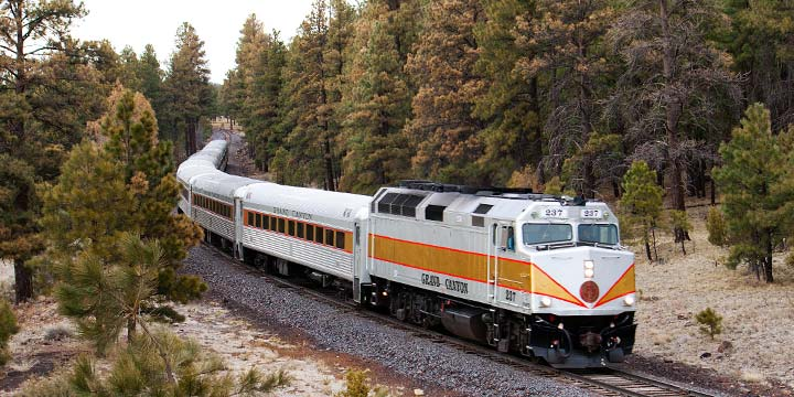 A train travels on the historic Grand Canyon Railway