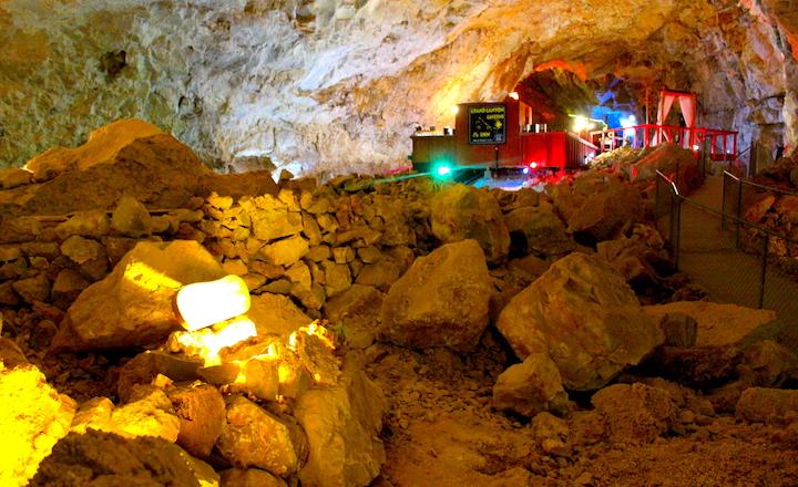 Grand Canyon Caverns main room